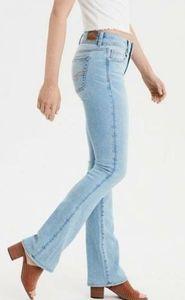American Eagle Light Wash Kick Boot Jeans Sz 4